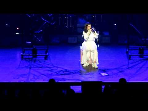 Lorde has a little cry on stage during her 'Liability' speech; + song. Christchurch NZ, 9Nov2017