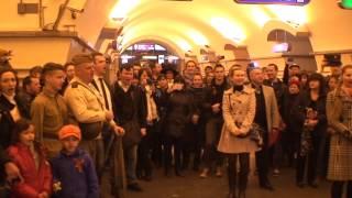 Флешмоб Победы в метро Невский проспект 9 мая