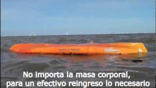 Reincorporarse en un kayak desde el agua