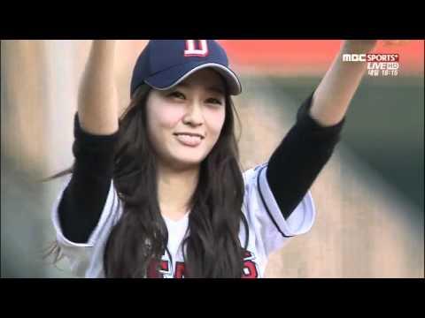 120619 f(x) Krystal 棒球賽開球禮