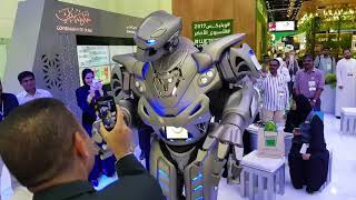 Real Robot (Titan) in Dubai Freaking People  2017