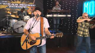 """Casey Donahew Band performs """"Nowhere Fast"""" on the Texas Music Scene"""