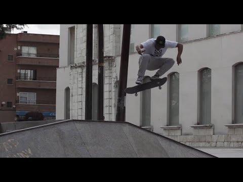 Video NOMAD SKATEBOARDS skateboard Complet NORTHBOUND TREE 8