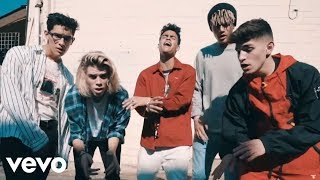 PRETTYMUCH - Open Arms