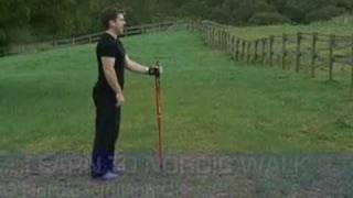 Un esperto di nordic walking