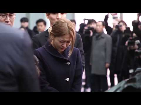Funeral Procession of Shinee's Jonghyun with Shinee's Member, escort him to final resting place