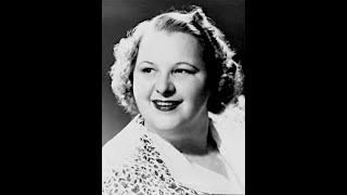 Kate Smith - When The Moon Comes Over The Mountain - Live