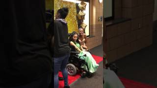 Student takes special needs girl to prom. Evelyn and Tahj danced all night 😊