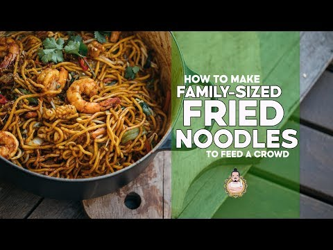 Family Fried Noodles   Making Noodles for a Crowd   Easy Asian Recipe