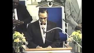 Minister Farrakhan address the Fresno Temple Church of God in Christ