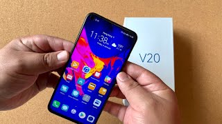 Honor V20 48 Hour Review - Punch Hole Future in a Solid Phone!