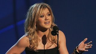 10 UNFORGETTABLE Kelly Clarkson Moments (HD)