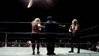 11.25.07 WWE HOUSE SHOW - Torrie Wilson and Michelle McCool vs Victoria and Natalya Neidhart