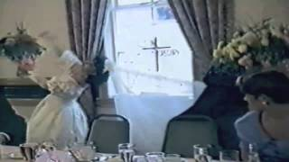Những tai nạn hài hước của các cô dâu ngày cưới