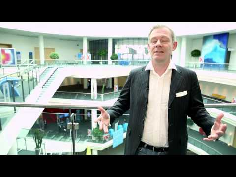 Interview: Gunnar Kron über Trimedialität und lokale Promotion