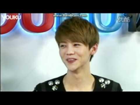 EXO-M Lu Han aegyo fail (super cute!)