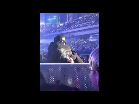 #ElyXionInSeoul EXO members hug their performance director