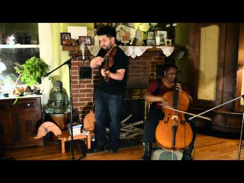 Baixar Katy Perry ft. Juicy J - Dark Horse (Violin and Cello Cover by David Wong and Clerida Eltimé)