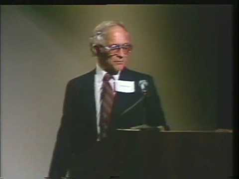 Robert Noyce - Semiconductor Pioneer