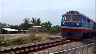 Đầu máy  & tàu hỏa qua cầu đẹp nhất Đà nẵng / Locomotives & trains through Nam O bridge