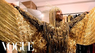 "Billy Porter Gets Dressed In Gold For His ""Sun God"" Met Gala Look 