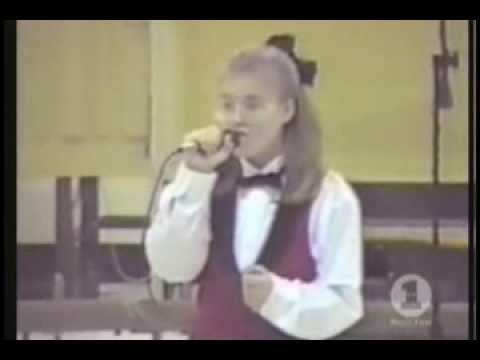 Kelly Clarkson - VH1 Driven Part 1 - 2002