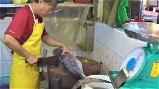 Amazing Fish Cutting Skills. Singapore Street Food in Geylang Serai Wet Market