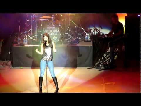 Baixar Victoria Justice -All I Want Is Everything (The Great Allentown Fair)