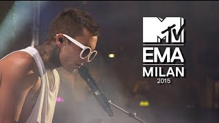 twenty one pilots - Tear In My Heart (Live MTV Europe Music Awards 2015) 1080p HD