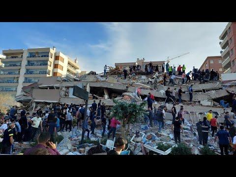 Turkey earthquake triggers mini-tsunami