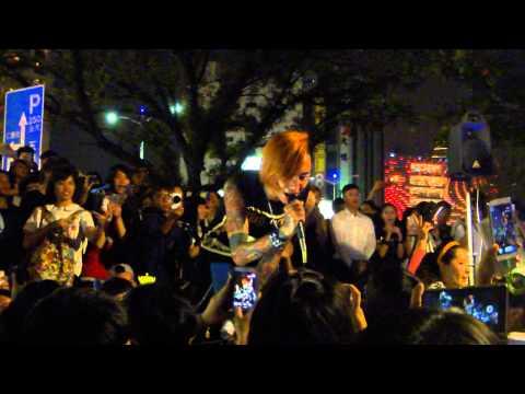 2014.10.27謝和弦街頭演唱-於是長大了以後