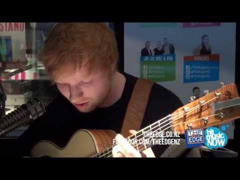 Baixar Ed Sheeran covers Lorde's Royals