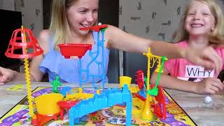 МИЛАНА Нашла НОВУЮ Игру МЫШИНАЯ ЛОВУШКА! Челлендж Мама и Дочка Для детей от Family Box1
