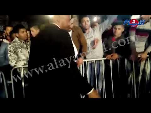 بالفيديو رشق الرابور مسلم بحذاء رياضي بساحة الأمم المتحدة بسبب المقاطعة