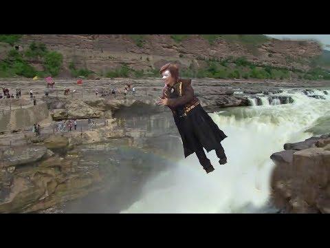 魔术揭秘,安迪大师飞跃黄河,5秒钟飞数千米比波音飞机还快