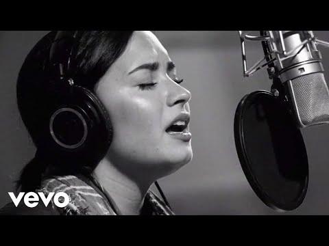 Demi Lovato - Stone Cold (Live In Studio)