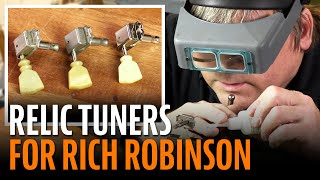 Watch the Trade Secrets Video, Rich Robinson's ES-335: making new tuners look old