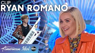 Katy Perry Buys Jacket For Her Dad Off Of Singer's Back - American Idol 2021