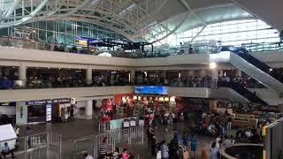 Erupsi Gunung Agung, Bandara Ngurah Rai Tutup