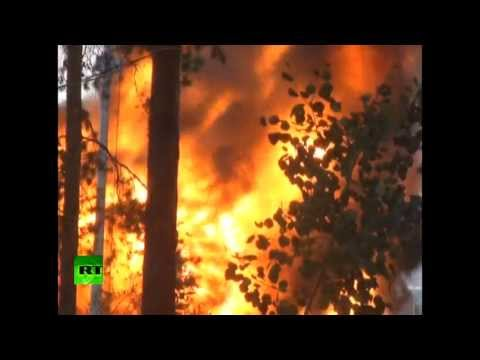 Video: Hellfire as flames engulf oil tank in Eastern Siberia
