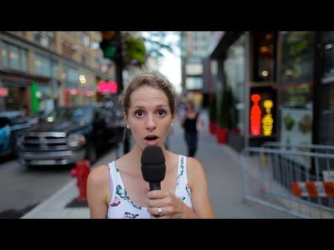 Згодна Канаѓанка ждрига на улица како градежен работник