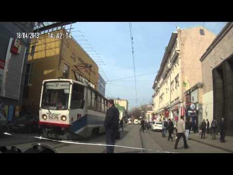Пешак се судрил во трамвај