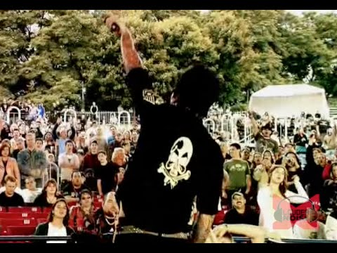 Papa Roach - Time Is Running Out (Live - Crue Fest)