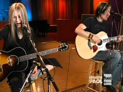 Baixar Avril Lavigne - Sk8er Boi [acoustic] live [Sessions @ AOL]  [April 12, 2004]  [HQ]