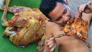 Primitive Technology: Cooking Chicken with Banana Flower in the Forest