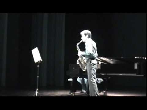 Richard Ducros plays Tango Suave by Jean Matitia