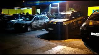 PRF, PC e BM, em ação conjunta, prendem trio armado e apreendem 50 mil reais em Pelotas