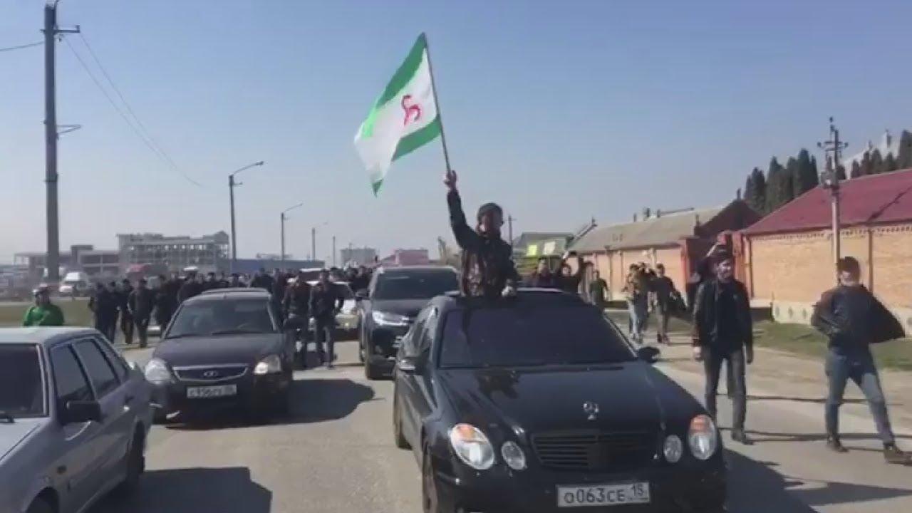 Ингушетия: столкновения с силовиками не остановили протест