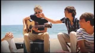 """One Direction """"I'm Yours"""" Unplugged - What Makes You Beautiful set"""