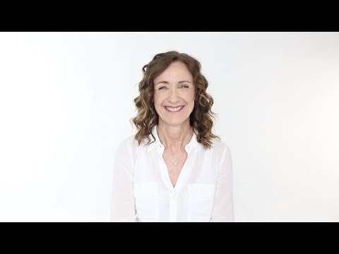 How to get tight, textured curls with the Beachwaver® S.75